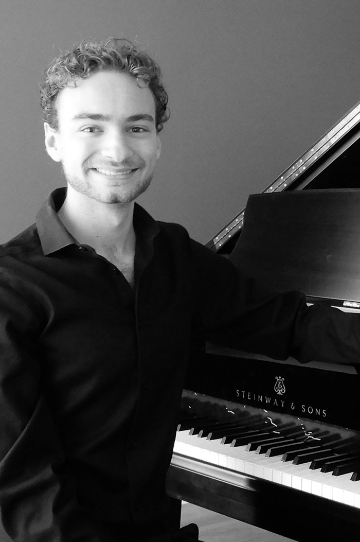 portrait of Maestro Makers piano instructor Derrick Hahn