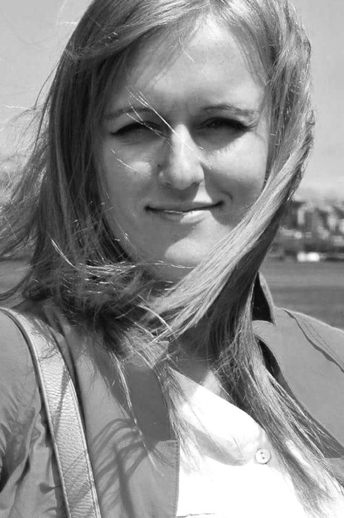portrait of Maestro Makers violin instructor Iuliia-Mykoylk